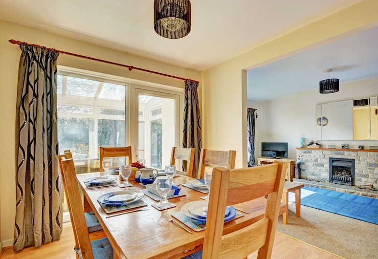 Modish Holiday Home in Swanage With Garden, Swanage, Dining