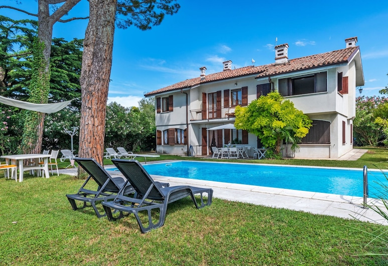 Comfortable Apartment With Library and Swimming Pool, Lazise