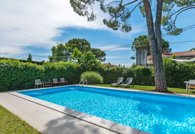 Comfortable Apartment With Library and Swimming Pool, Lazise, Svømmebasseng