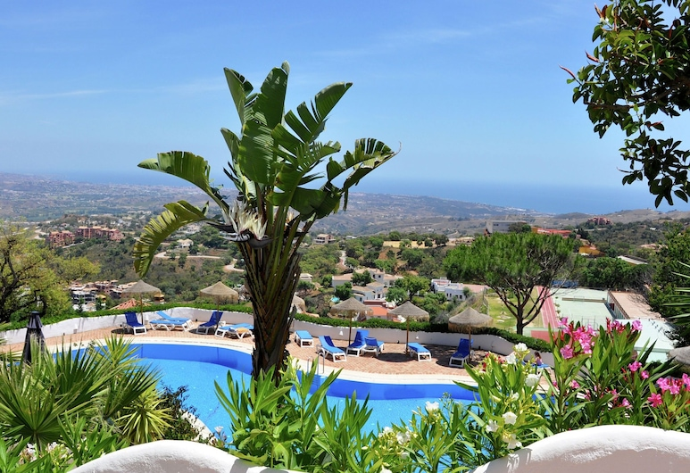 Spacious Apartment in Marbella With Swimming Pool, Ojen, Pool
