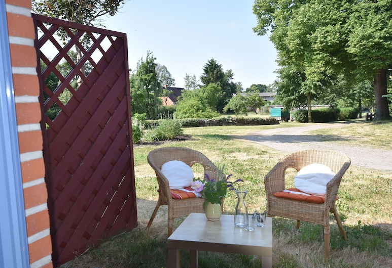 Spacious Apartment With Garden, Terrace, Heating and Bar, Boiensdorf, Apartment, Balcony