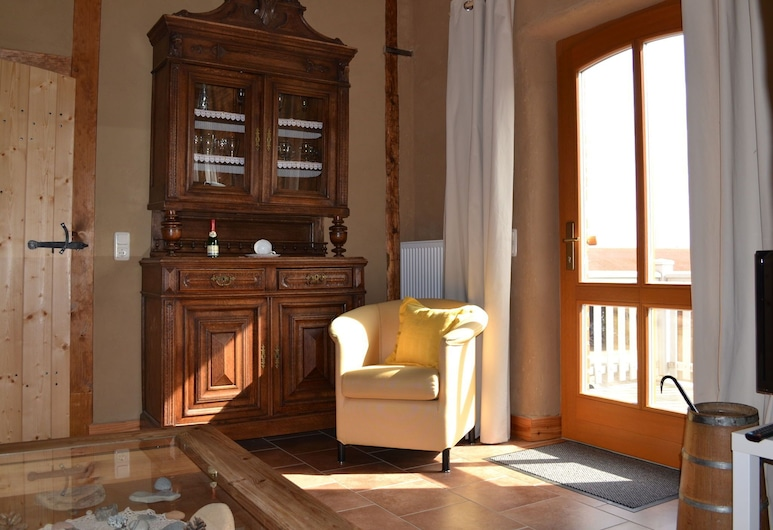 Delightful Apartment in Kröpelin With Garden, Kröpelin, Casa, Soggiorno