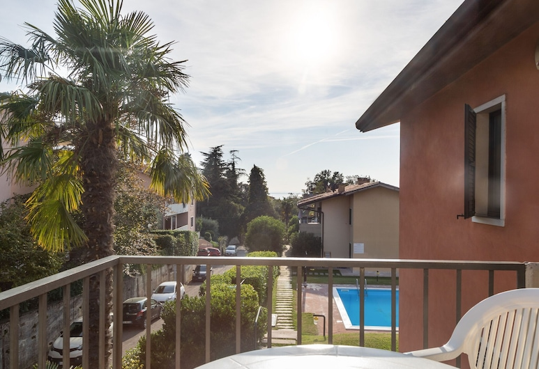 Holiday Appartment With a big Garden, Nearby Lazise's Centre, Lacize, Balkons