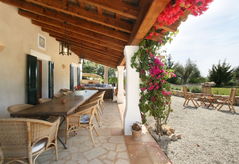 Beautiful House on the Outskirts of Pollensa in a Quiet Area With Private Pool, Полленса, Коттедж, Балкон