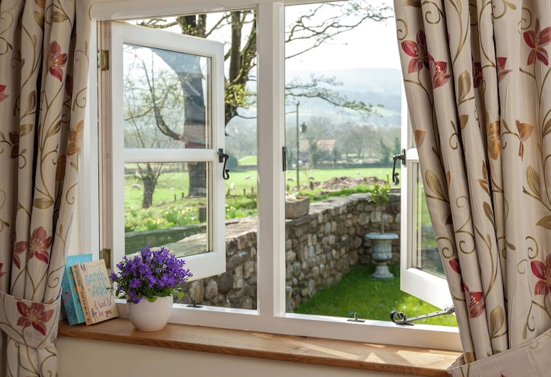Beautiful Holiday Home in Gilwern South Wales With Garden, Abergavenny, Номер