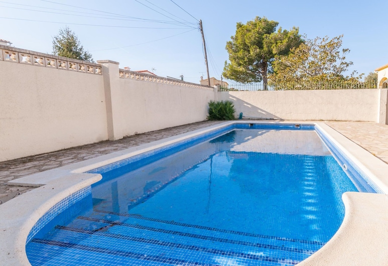Fantastic Villa With big Garden and Large Private Swimming Pool in L'escala, ל'אסקלה