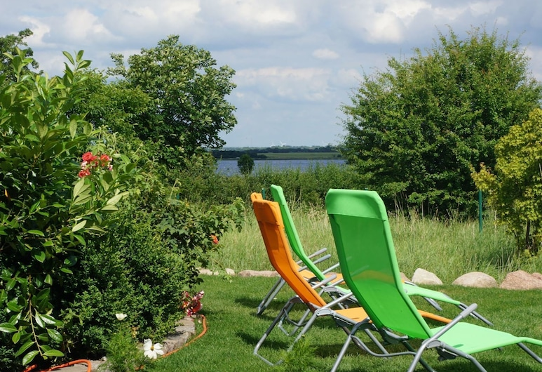 Gorgeous Villa With Sea View in Malchow, Insel Poel, Garden