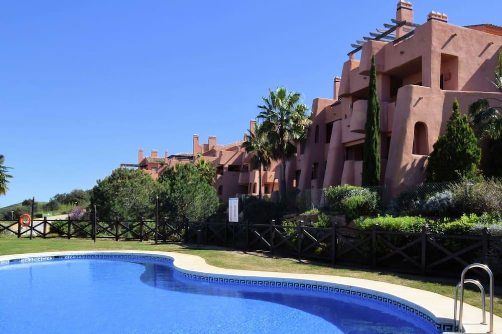 Beautiful Apartment With Stunning Views, Near the Resort El Soto de Marbella