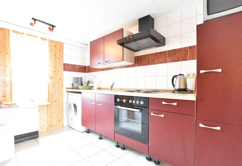 Lovely Holiday Home With Private Terrace, Garden and Heating, Kroepelin