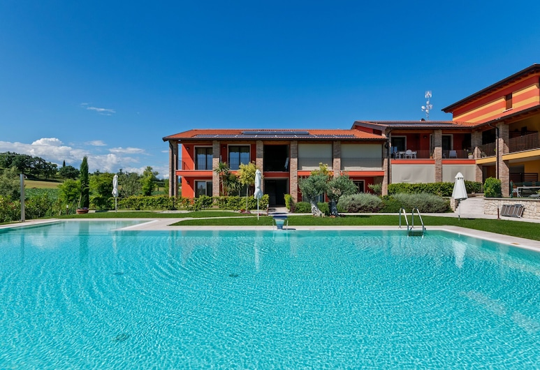 Modern Holiday Home in Lazise With Private Pool, Lazise, Pool