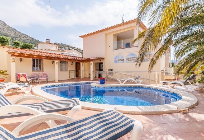 Fantastic Large Holiday Home With Pool for 8 People in Rosas, Rosas, Extérieur