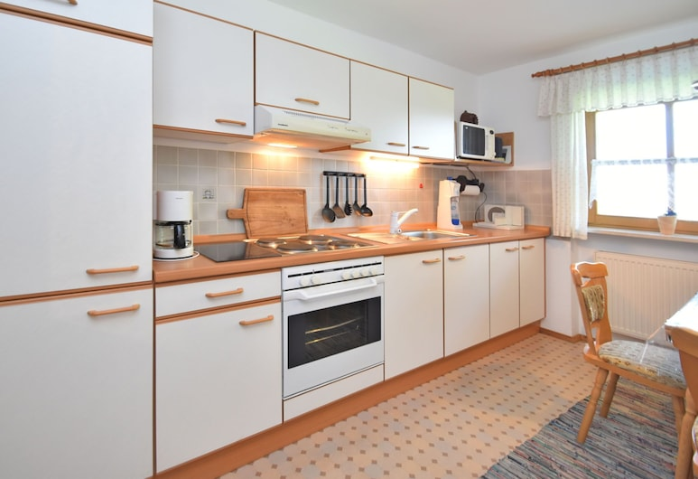 Beautiful Ground Floor Flat With Private Terrace in the Bavarian Forest, Waldkirchen, Apartment, Private kitchen