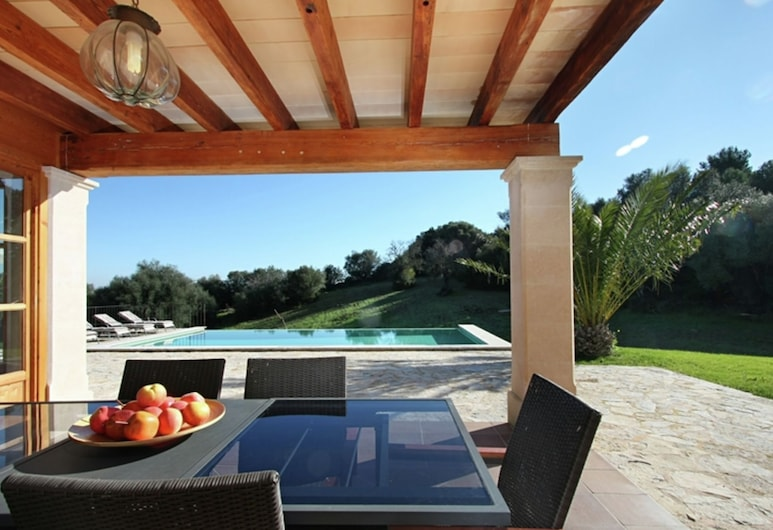 Enticing Holiday Home in Petra Majorca With Private Pool, Petra, Casa, Balcone