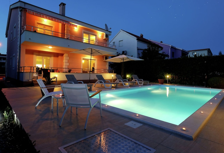 Modern Villa - Apartment With Private Pool, Nice Covered Terrace, High Privacy, 札達爾