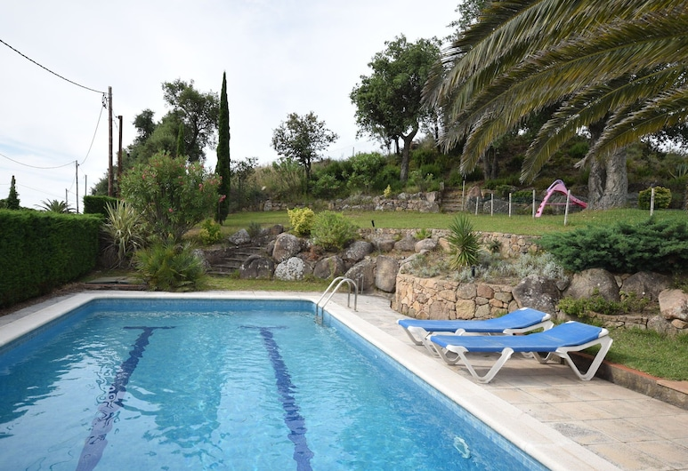 Cozy Holiday Home With Nice Terrace and Fenced Private Pool, Near Platja D'aro, Castell-Platja d'Aro, Pool