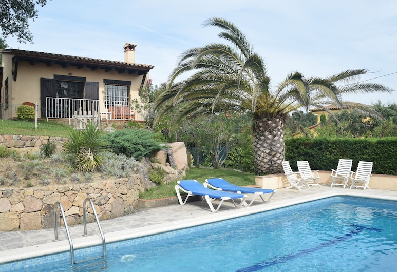 Cozy Holiday Home With Nice Terrace and Fenced Private Pool, Near Platja D'aro, Castell-Platja d'Aro