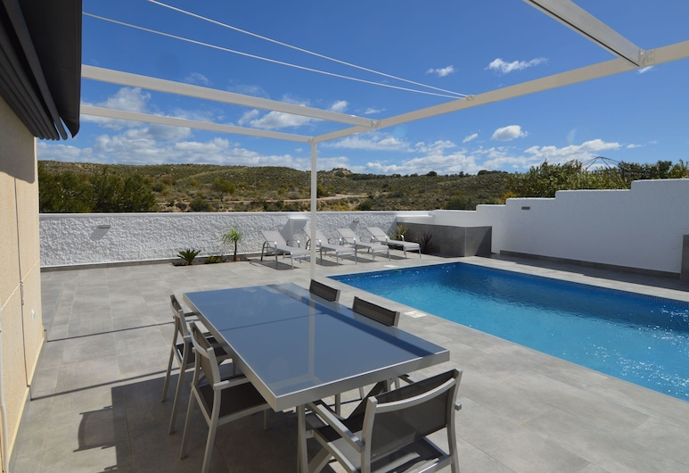 Beautiful Holiday Home in Rojales Valencia With Private Pool, Rojales, Trädgård