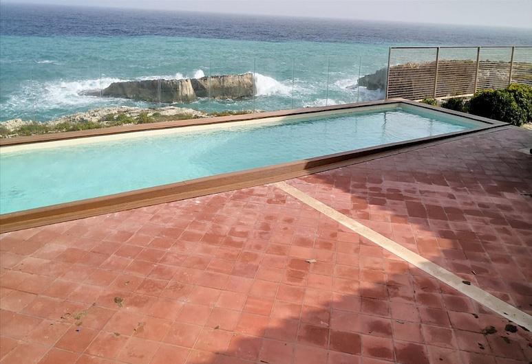 Beautiful Villa in Augusta With Terrace, Augusta, Pool