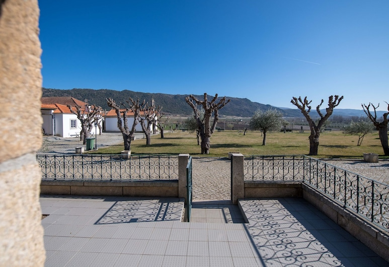 Holiday Home on Estate With Vineyards, Olive Groves and Swimming Pool, Vila Flor, Balcony
