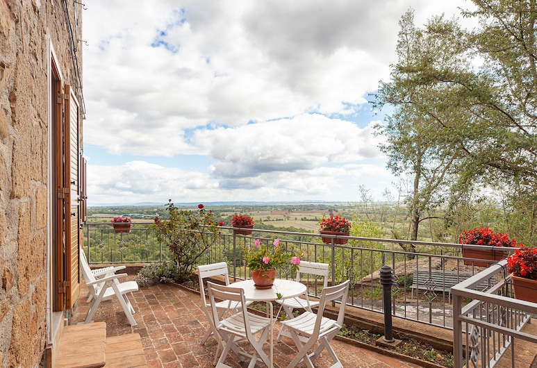 House in Small Village in the Heart of the Countryside, With Panoramic Terrace, Sorano, House, Balcony