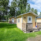 Cabin (4 Beds) - Front of property