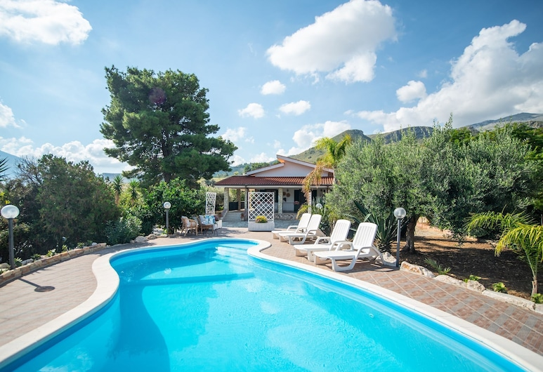 Villa With Annex, Only 150m From the sea but Also With Private Pool!, Castellammare del Golfo, Piscina