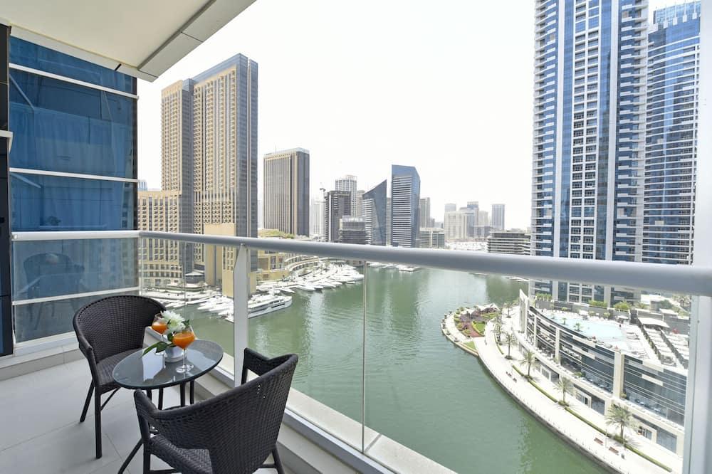 Liukso klasės apartamentai, 2 miegamieji, vaizdas į valčių prieplauką - Balkonas