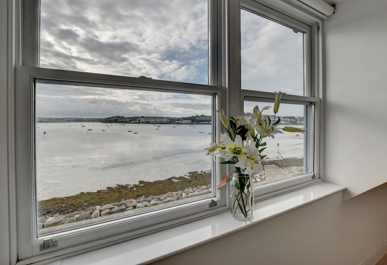 Magnificent Apartment With Phenomenal View Across the Bay, Nearby Appledore, Бидефорд