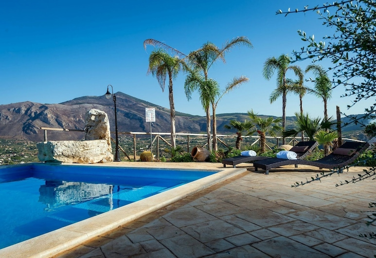 Cheerful Villa in Contrada Sarmuci With Swimming Pool, Castellammare del Golfo, Piscina