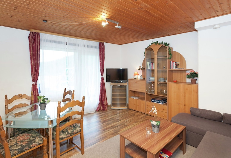 Pretty Apartment in Wildemann With Meadow View, Clausthal-Zellerfeld, Apartment, Living Room