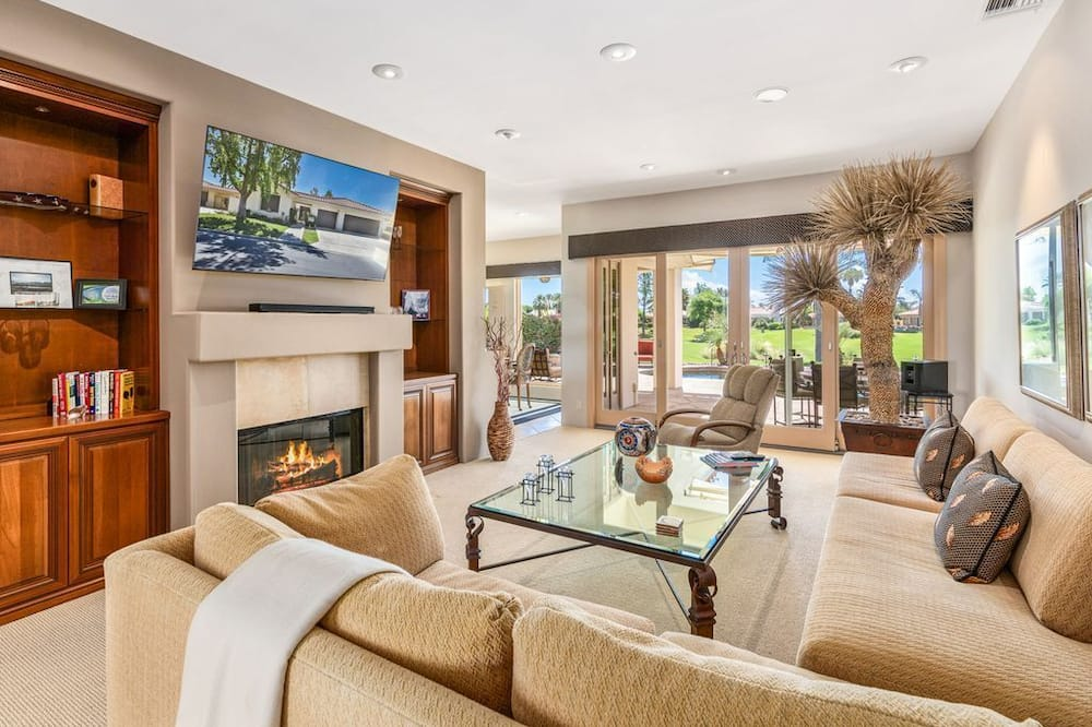 Domek, 4 ložnice, soukromý bazén, výhled na golfové hřiště (5 Bathrooms) - Obývací pokoj