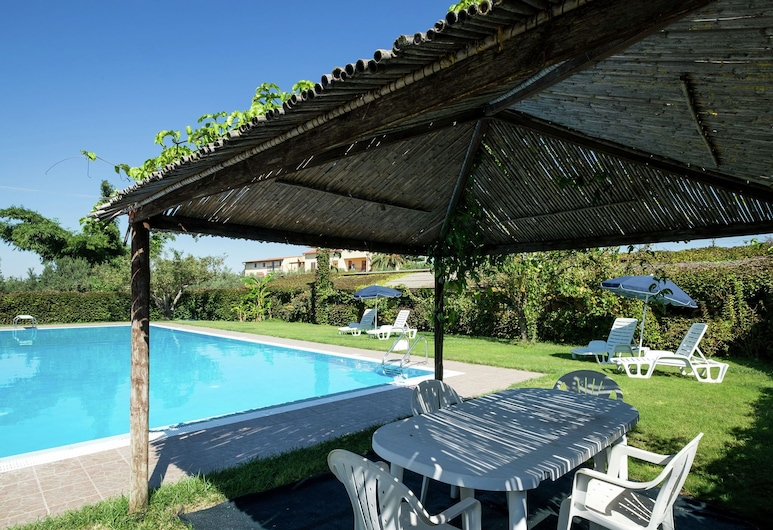 Sun-drenched Estate Close to Sciacca Just 7km From the Beach, Sciacca, Pool