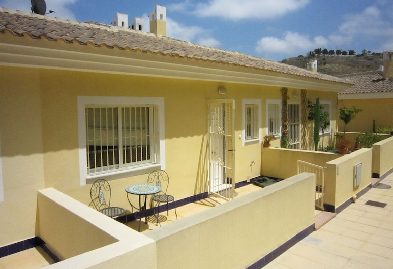 Quaint Holiday Home in Rojales With Pool, Rojales