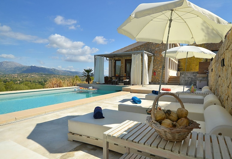 Modern Furnished House With Private Pool and View Over the Mountains, Inca