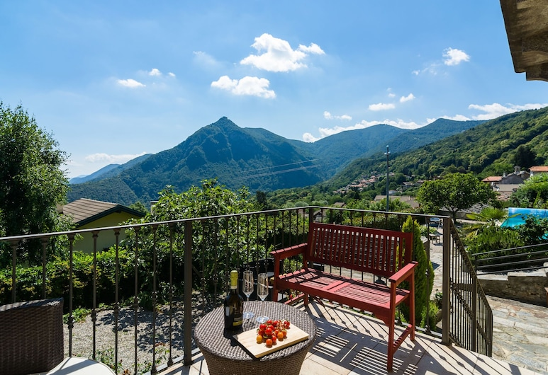 Villa With Private Pool and View of the Lake, Trarego Viggiona, Garden