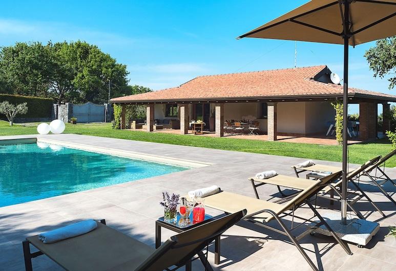Modern Villa in Trecastagni With Pool, Viagrande