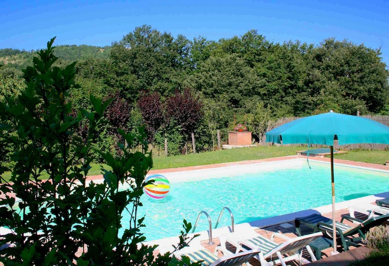 Peaceful Holiday Home in Sellano With Pool, Sellano, Bazen
