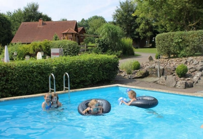 Detached Holiday Home With a Wood Stove, in the Bruchttal, Brakel, Pool