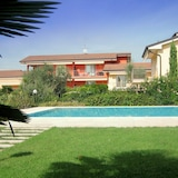 Welcoming Holiday Home in Lazise With Garden, Near Lake Garda