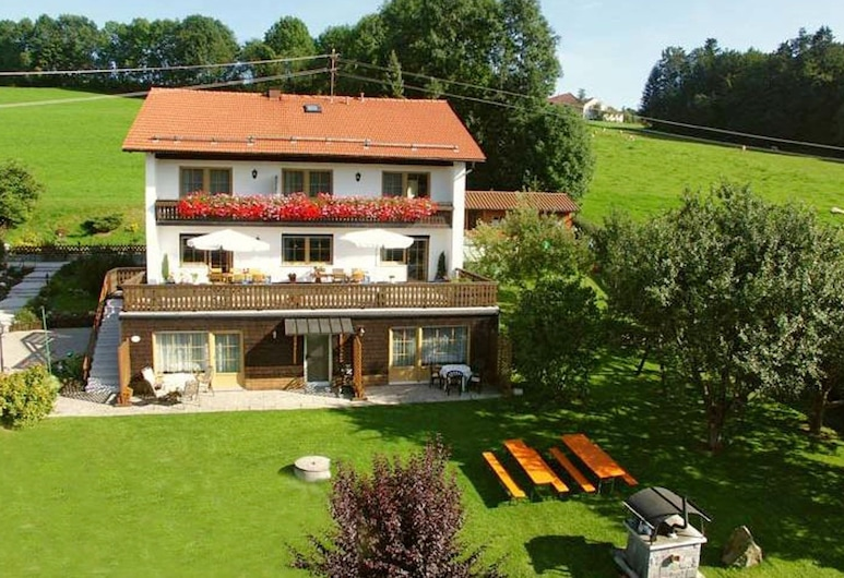 Cosy Holiday Home - Large Garden, Close to the City of Passau and Austria, ברייטנברג