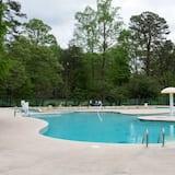 บ้านพัก - สระว่ายน้ำ