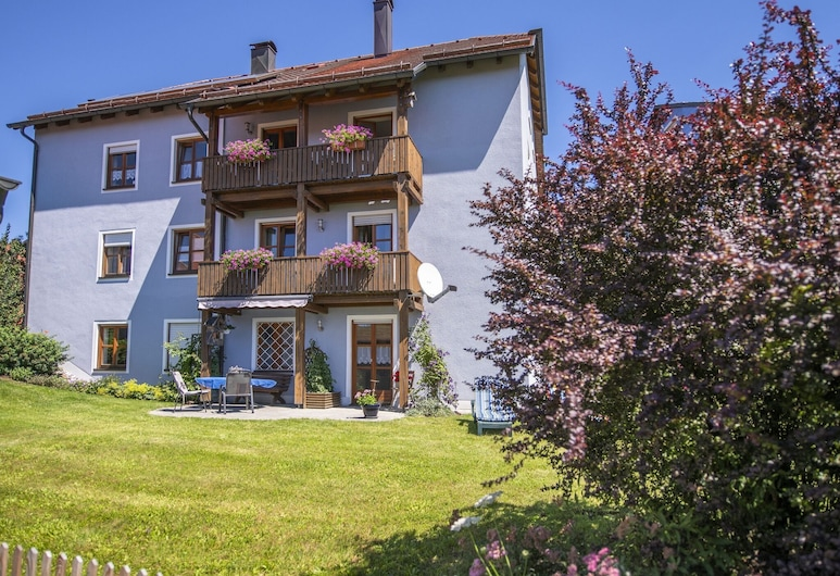 Cheerful Apartment Near Forest in Tännesberg, Tannesberg