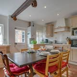 Exclusive Holiday Home in Canterbury Kent With Garden, Canterbury