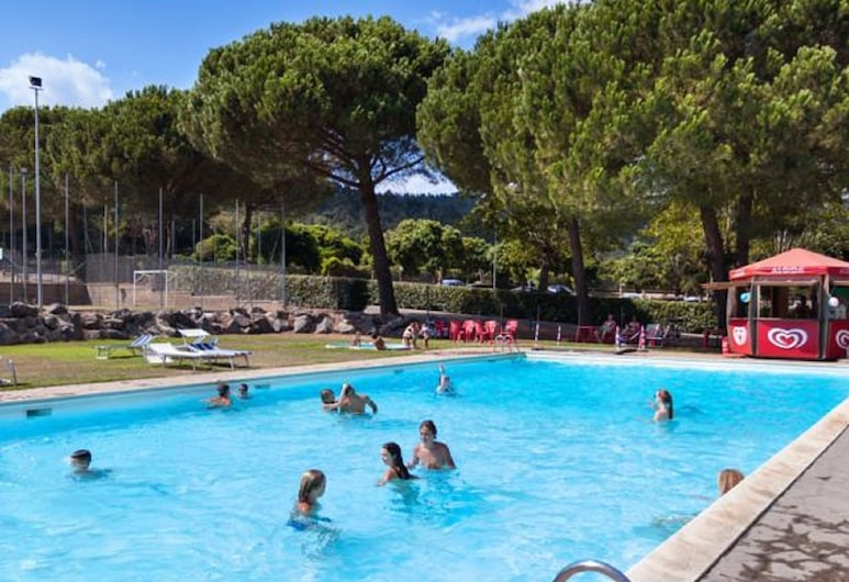 Cozy Mobile Home in Rome With Swimming Pool, Garden, Terrace, Bracciano, Pool