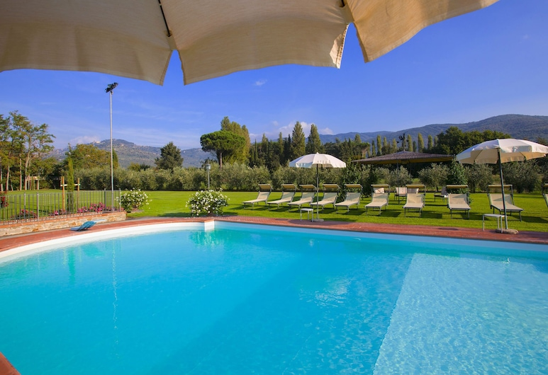 Agriturismo Near Cortona With Spacious Garden and Swimming Pool, Cortona, Pool