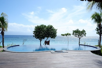 Bild vom Blue Harbor Beachfront Villas & Resto in Nusa Penida