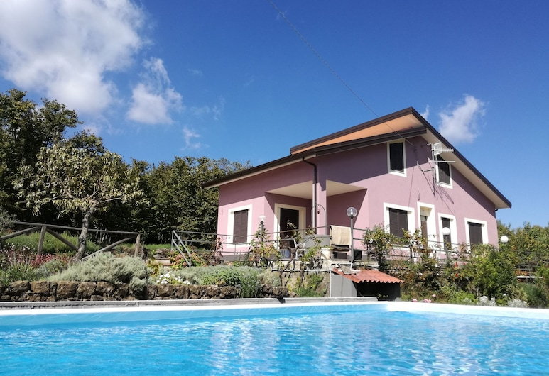 Independent House With Private Swimming Pool Inside the Natural Park of the Etna, Mascali, Exterior