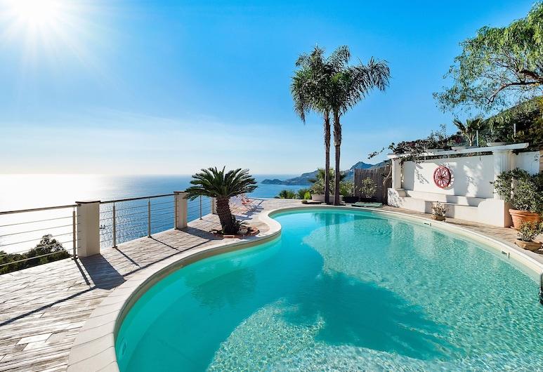 Villa With Panoramic sea View Pool a few km From Taormina, Letojanni, สระว่ายน้ำ