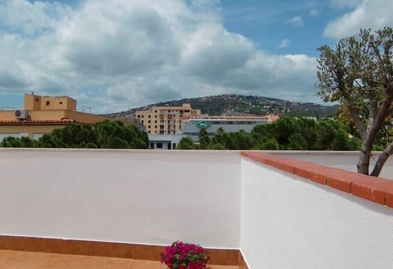 Tranquil Holiday Home in Platja D'aro With Jacuzzi, Castell-Platja d'Aro, Svalir