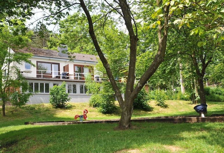 Cozy, Carefully Furnished Bungalow Near the Maas, Hastiere